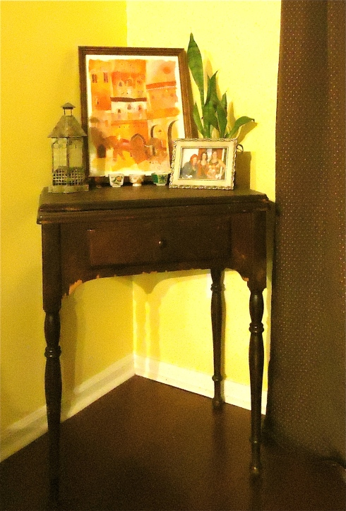 Sewing Machine Table 4