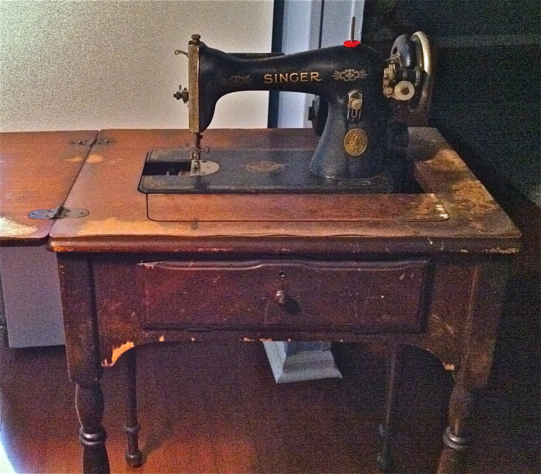 tables sewing machine