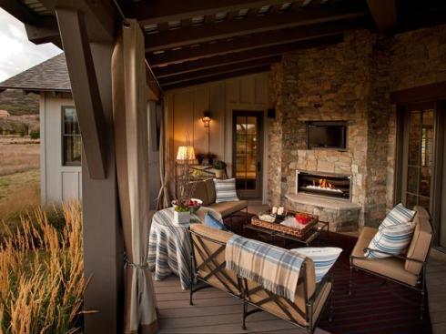 HGTV Dream Home Outdoor Living Room