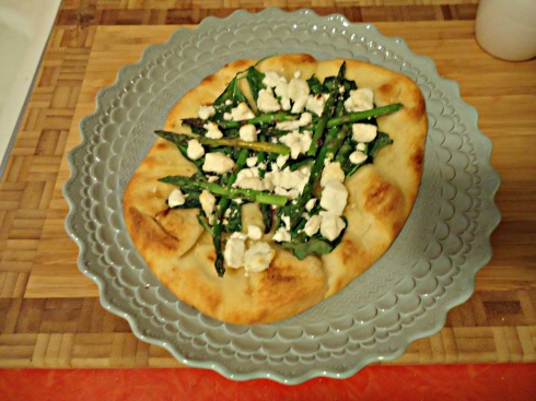 goat cheese asparagus pizza